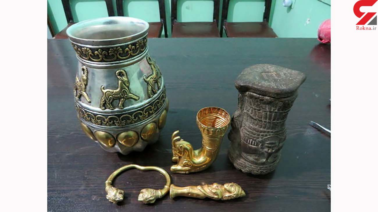 مرد رودباری در حال فروش یادگاری های 3000 ساله دستگیر شد
