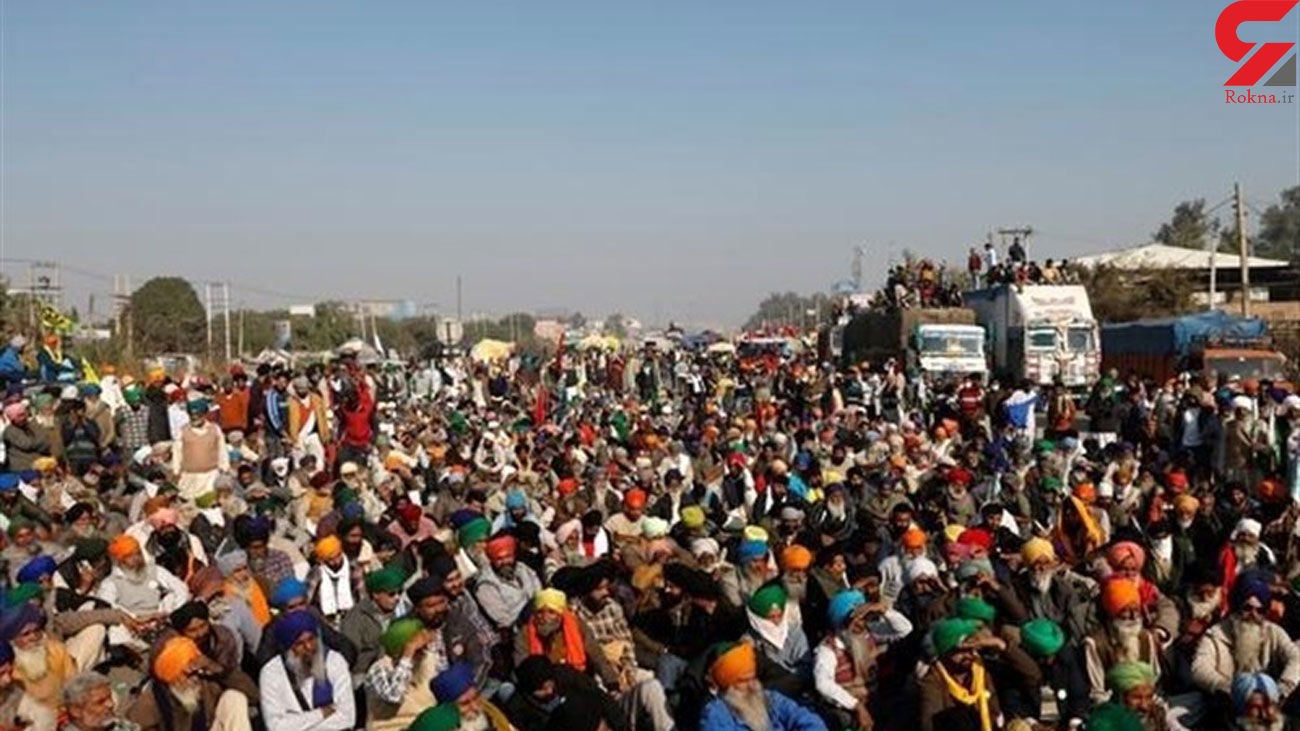 Thousands of Protesting Indian Farmers, Police Face-Off at New Delhi Border