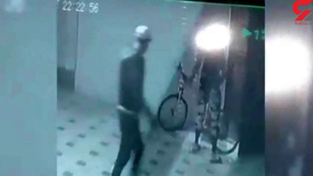 این 2 دزد را می شناسید؟! + فیلم لحظه سرقت ازخانه مرد تهرانی