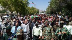 تشییع پیکر شهدای عملیات تروریستی شهرستان مریوان + تصاویر