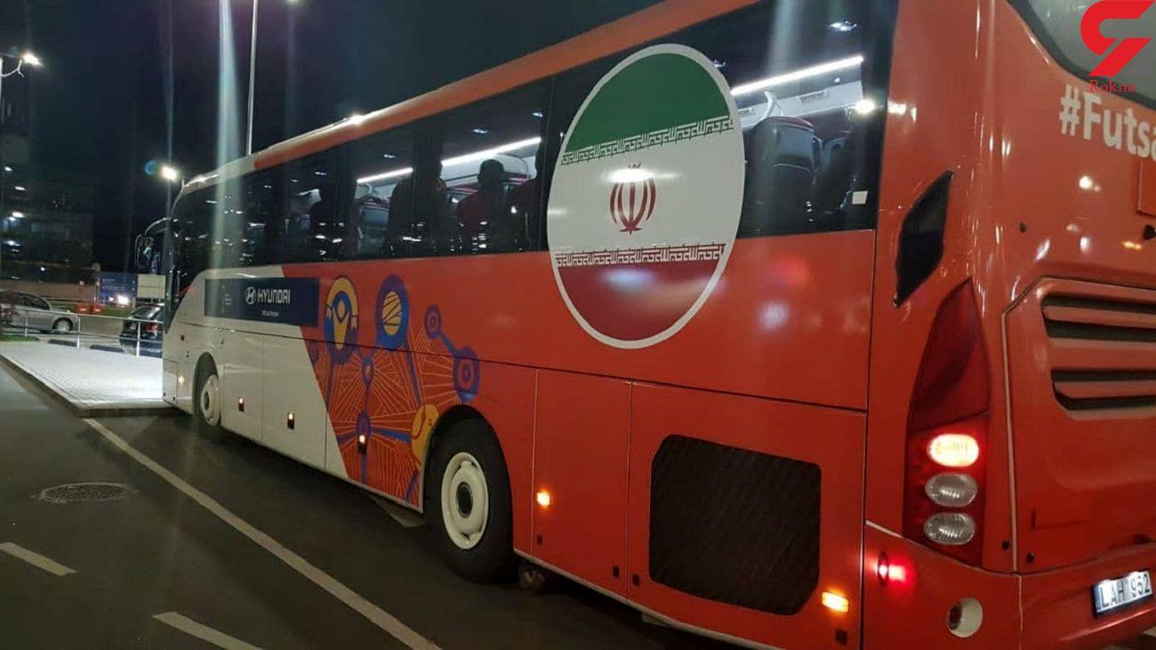 تیم ملی فوتسال ایران وارد لیتوانی شد / سه شنبه؛ اولین دیدار ملی پوشان در جام جهانی + فیلم
