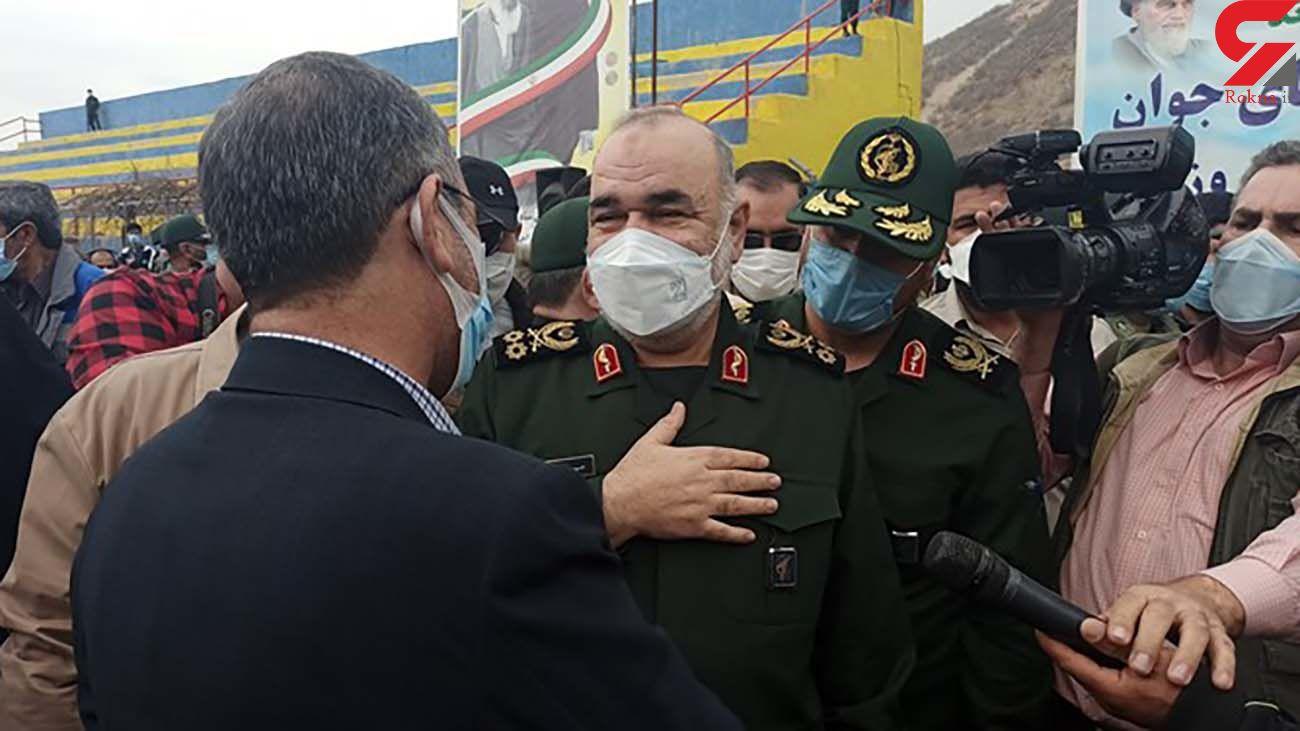 فرمانده کل سپاه به میان زلزله زدگان سی سخت رفت + تصاویر