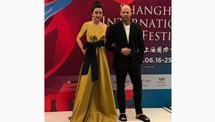 پوشش عجیب آقای بازیگر در یک جشنواره سینمایی + عکس