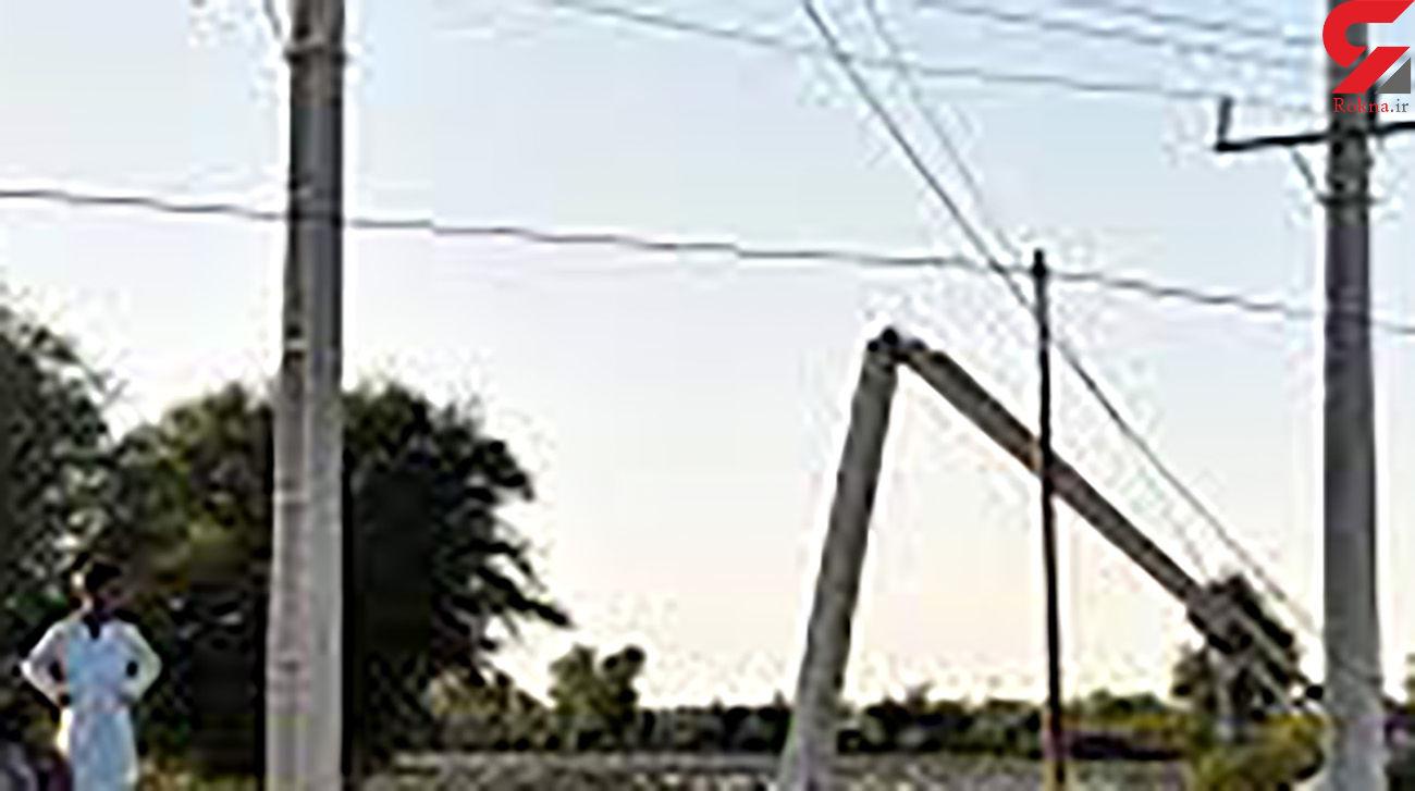 شلیک دزدان به ماموران اداره برق در اهواز / سقوط 2 پایه برق فشار قوی