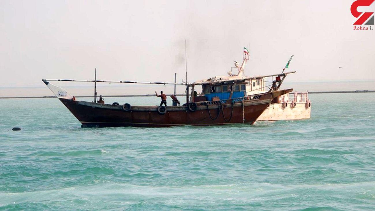 توقیف لنج حامل سوخت قاچاق در آبهای جاسک