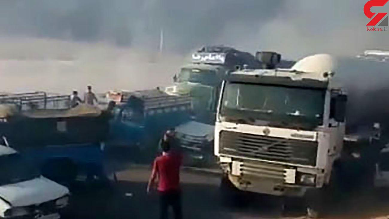 عجیب ترین فیلم از تصادف زنجیرهای خودروها در مرودشت / همه جا دود بود!