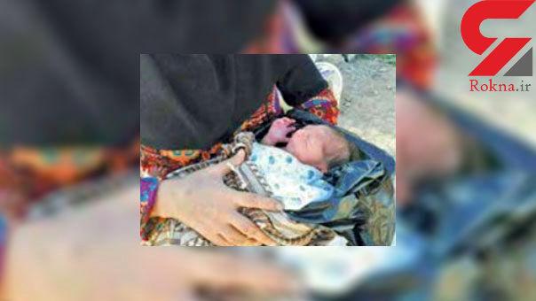 تصویری تلخ از نوزاد کرمانشاهی رها شده در کیسه زباله !