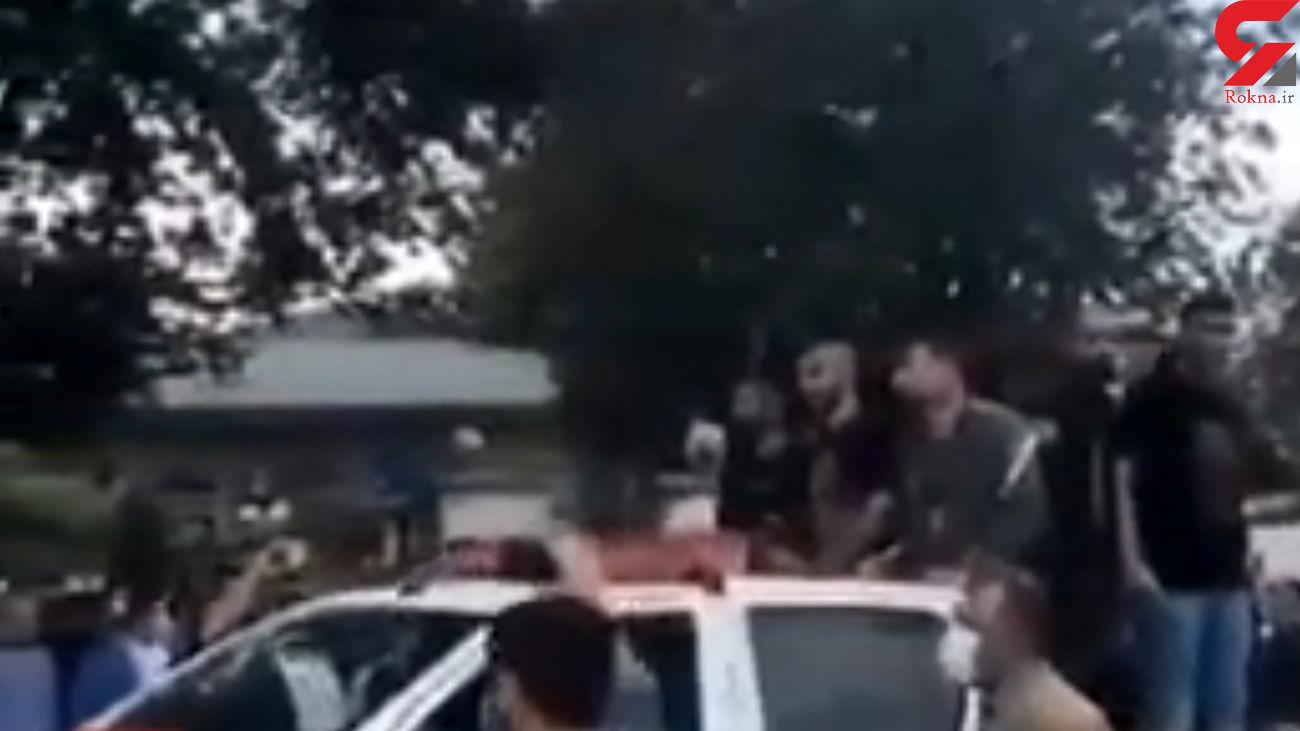 فیلم گرداندن قمه کش های بیمارستان پورسینا در خیابان های رشت