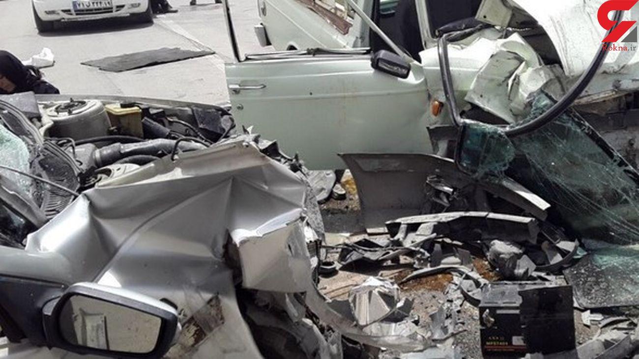 عکسی تلخ از تصادف مرگبار پژو و وانت له شده / راننده وانت در دم جان باخت