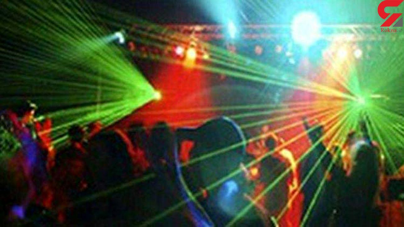 60 دختر و پسر داخل پارتی می رقصیدند که پلیس سر رسید / در گیلان رخ داد
