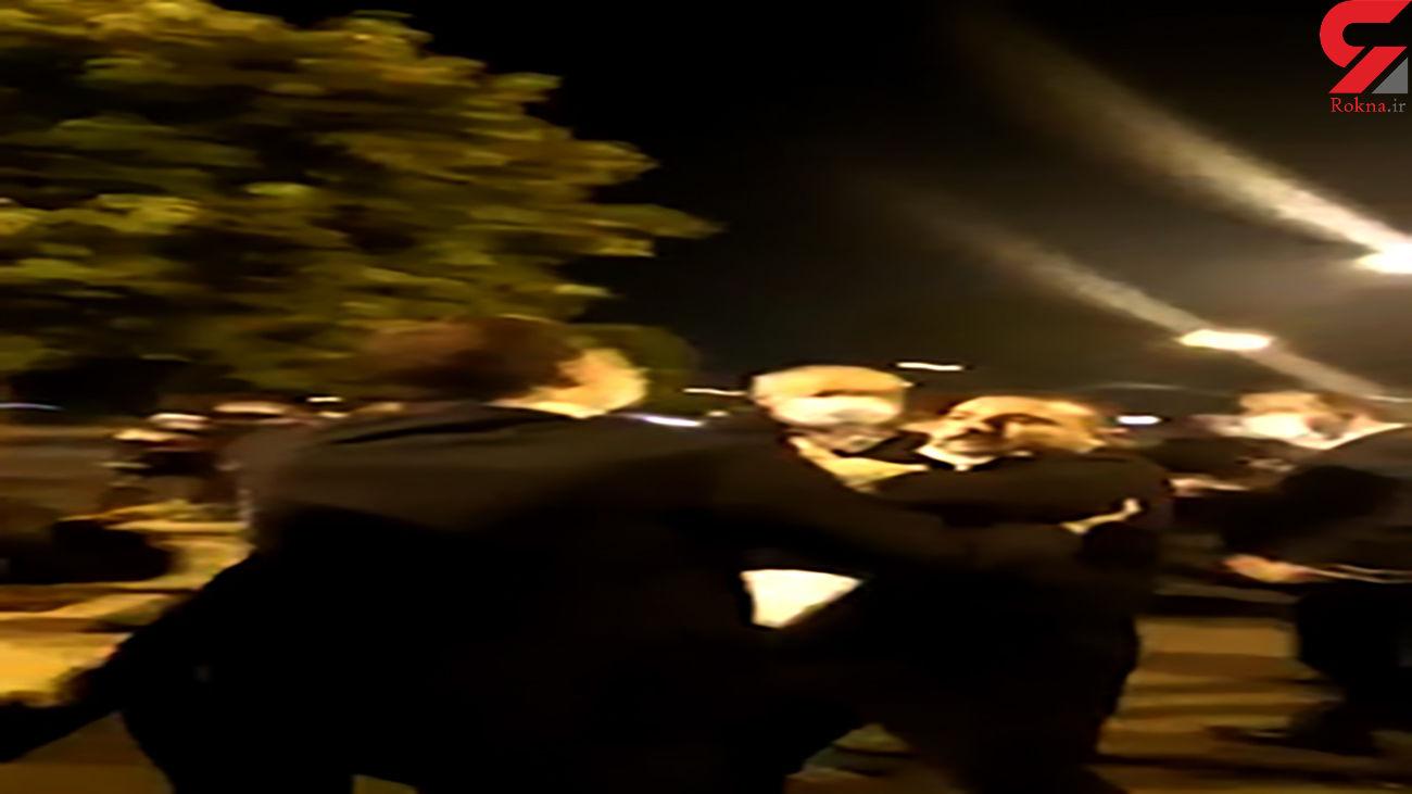 تجمع اعتراض آمیز جانبازان کودتای ترکیه در مقابل دفتر اردوغان + فیلم