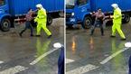 حرکات عجیب یک مرد در وسط خیابان با یک مامور پلیس+تصاویر