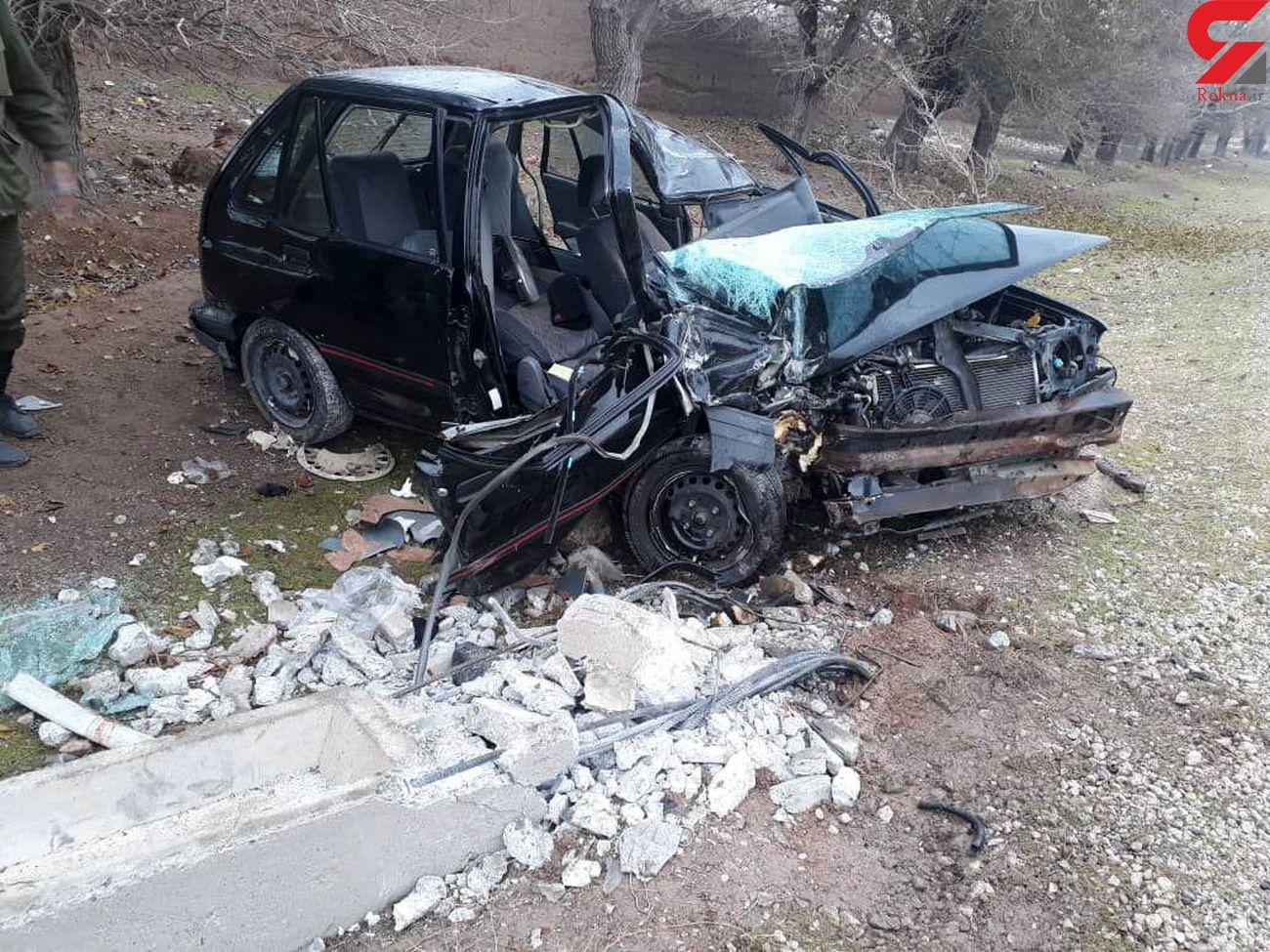 7 زخمی در برخورد پراید با تیرچراغ برق / ساوه + عکس