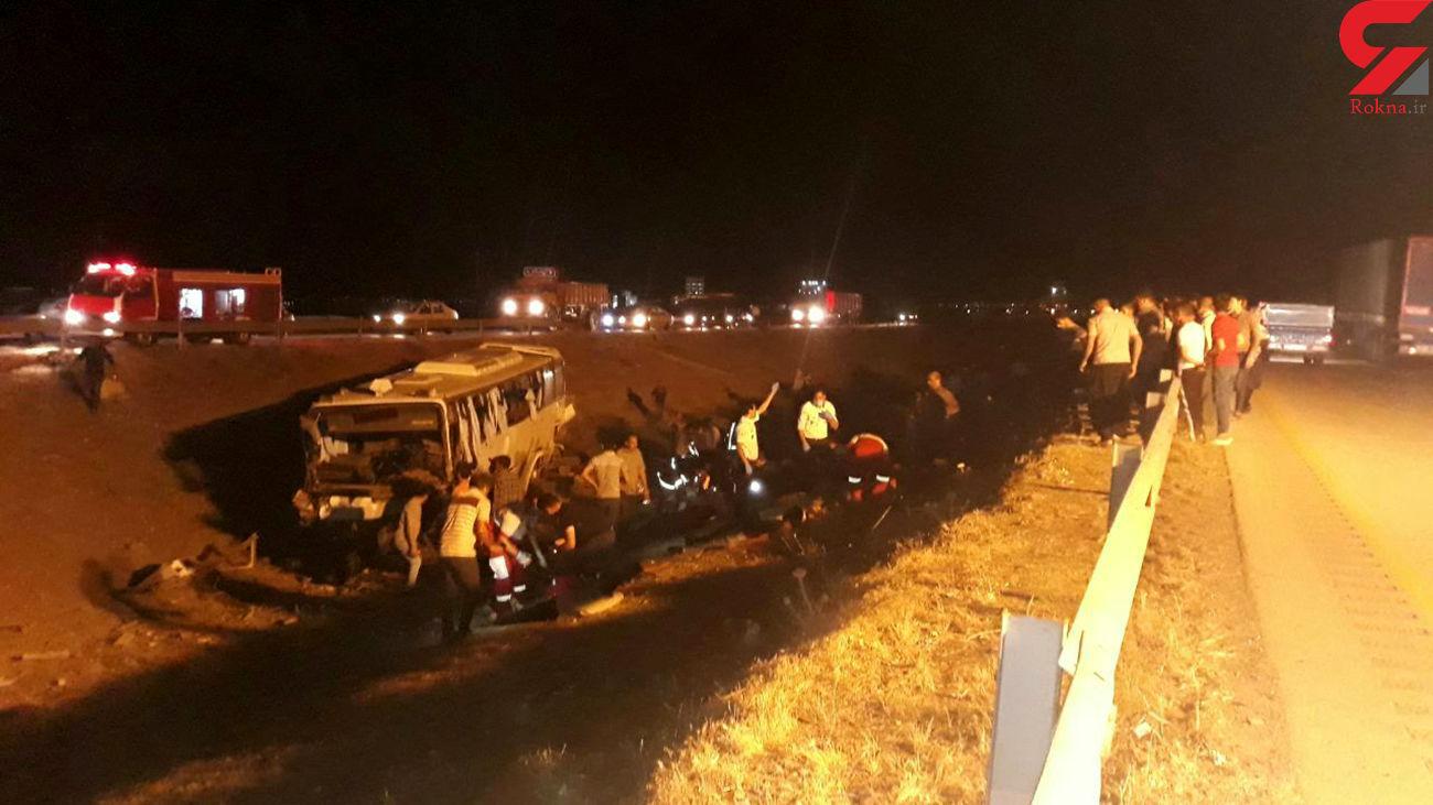 واژگونی مرگبار اتوبوس با 33 مسافر در جاده نیشابور + عکس
