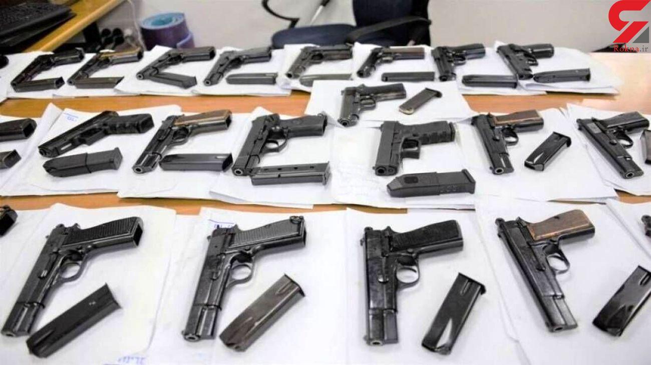 کشف 165 سلاح جنگی و انهدام سه باند قاچاق سلاح در کرمانشاه/ هشت نفر دستگیر شدند