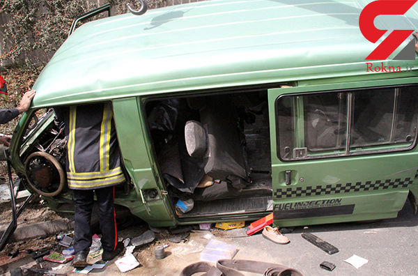 سقوط ون با 14 سرنشین به داخل پرتگاه در تفرش