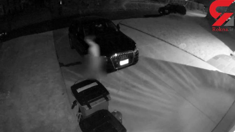 دزد عریان شکار دوربین های مداربسته شد / او قصد ورود به یک خانه را داشت که ...+ فیلم