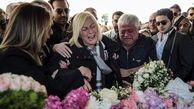 پیکر 10 دختر جانباخته در  سقوط جت خصوصی ترکیه در استانبول به خاک سپرده شدند / هنوز از سرنوشت دختر یازدهم خبری نیست + عکس