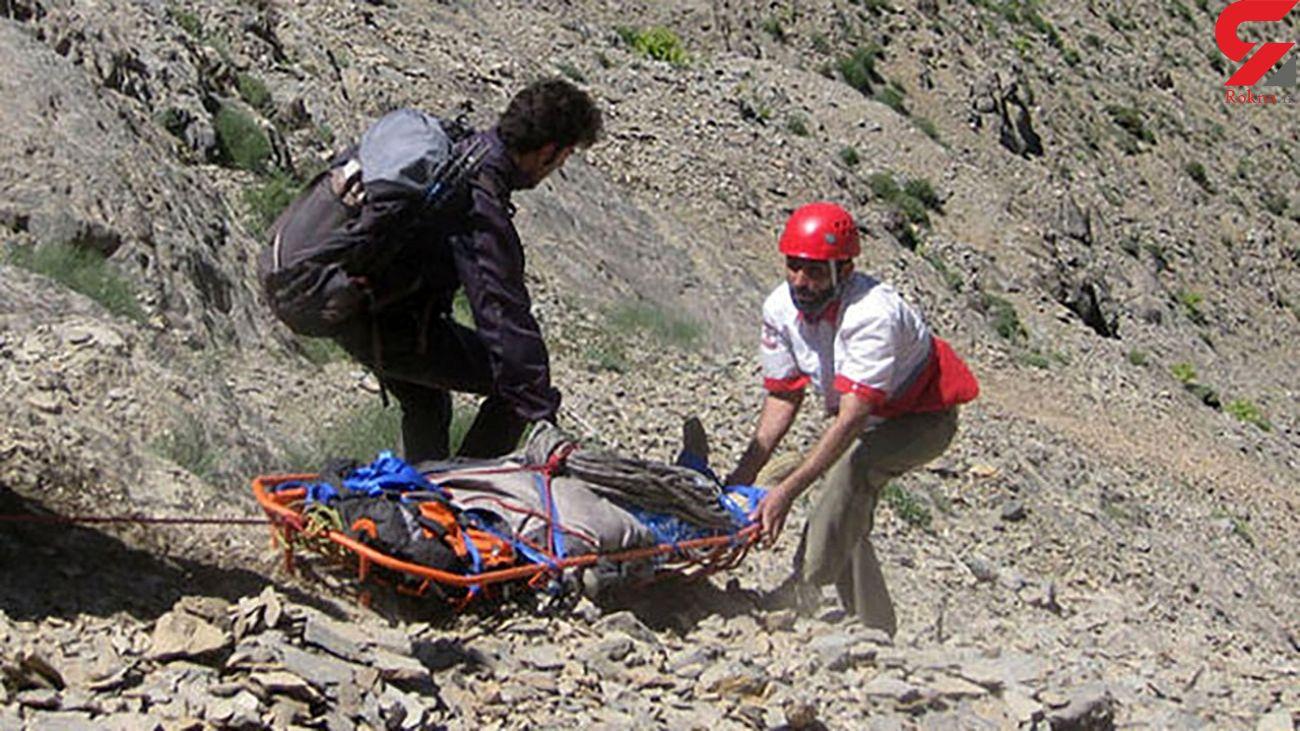 نجات مرد ۴۹ ساله از ارتفاعات منطقه دره مورت روستای درگه ملکشاهی