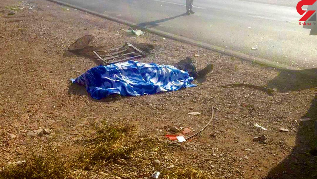 عکس جنازه یک مرد در کاروان قاچاقچیان انسان / خاش