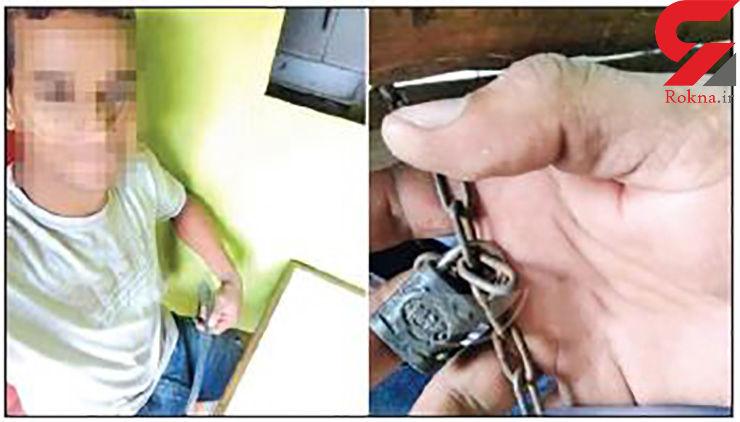 قفل و زنجیر کردن یک روزنامه نگار توسط صاحب یک رستوران+ عکس
