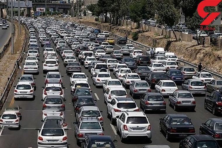 وضعیت ترافیکی راه های کشور / بارش باران و برف در آزادراه قزوین-رشت