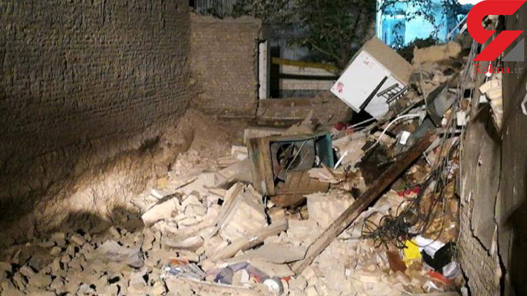 ساختمان سه طبقه در مشهد فرو ریخت + عکس