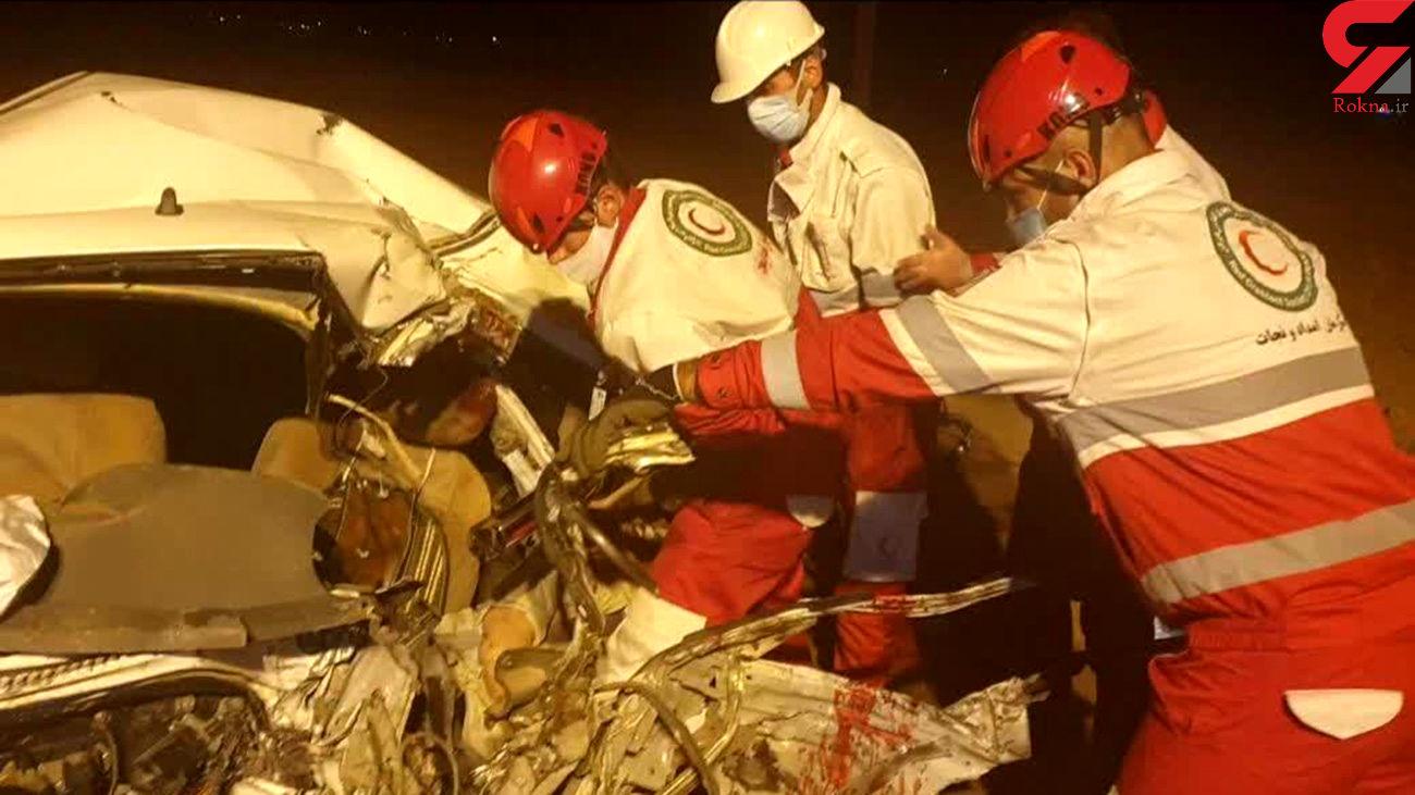 تصادف شدید خودروی پراید و کامیون بنز در محور ازنا به اراک