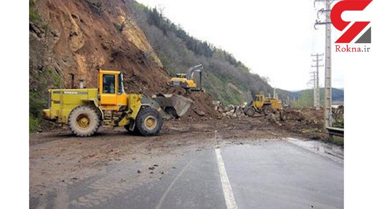 جاده اردبیل - آستارا بر اثر رانش زمین بسته شد/ تلاش پنج گروه راهداری برای بازگشایی راه