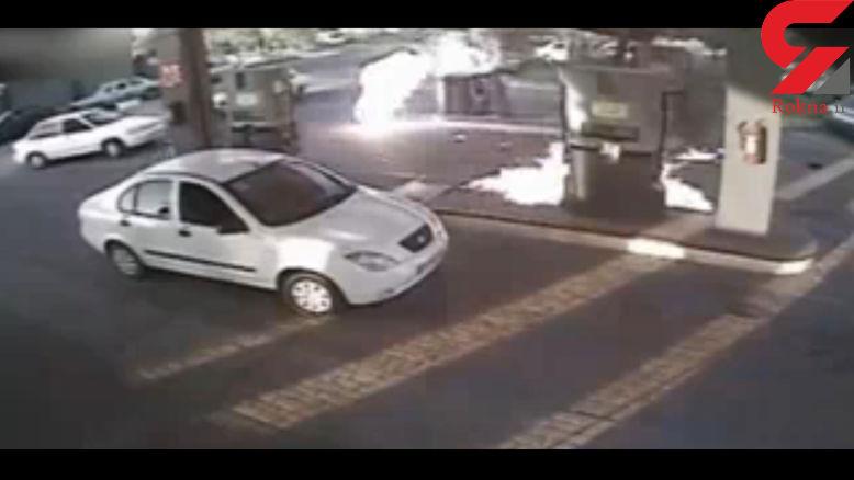 لحظه آتش گرفتن یک مرد در پمپ گاز + فیلم