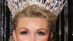 زن 60 ساله ملکه زیبایی شد + تصاویر