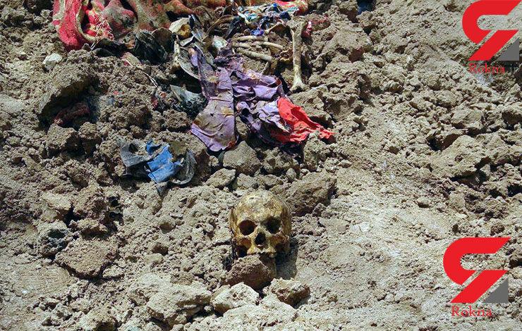 تصاویر وحشتناک از گور خانوادگی در آبادان / اجساد متعلق به یک پدر و مادر و دختر بچه شان است +عکس