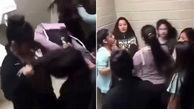 فیلم لحظه دعوای شدید دختر ان جوان در سرویس بهداشتی+ عکس +14
