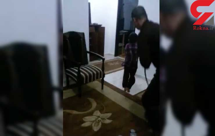 تنبیه بی رحمانه پسر بچه با شلاقی به نام شیلنگ + فیلم