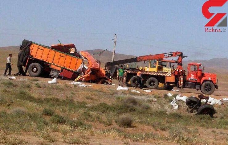 6 کشته و زخمی در برخورد تریلر و کامیون