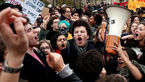 دانشجویان هم در اعتراض به طرح ماکرون به خیابان آمدند+ عکس