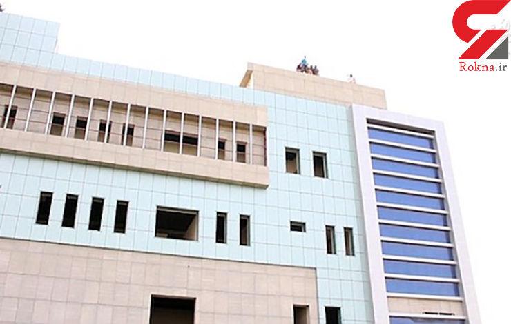 پرتاب یک مرد از بالای ساختمانی بلند در مقابل مردم/جنایت وحشیانه داعش+ تصاویر