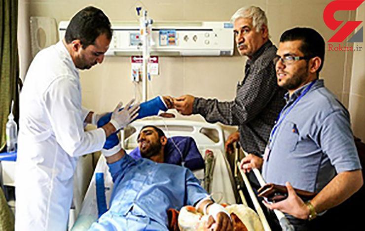 حال دو سرباز مجروح حادثه نی ریز وخیم است / 26 سرباز تا کنون از بیمارستان مرخص شدهاند+عکس