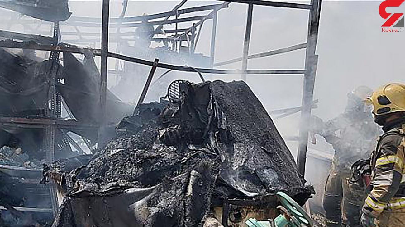 عکس / آتش سوزی عجیب در پشت بام یک ساختمان در میدان حر تهران