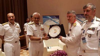 امیر خانزادی با فرمانده نیروی دریایی هند دیدار کرد