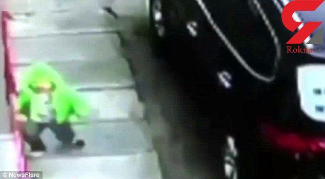 نجات معجزهآسای بچه چینی در سقوط از طبقه سوم ساختمان