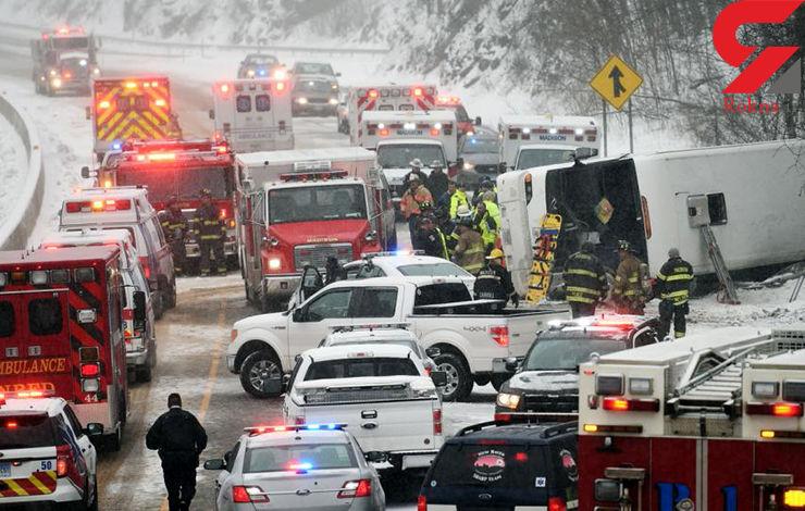 در برخورد یک اتوبوس با چند خودرو 30 تن زخمی شدند