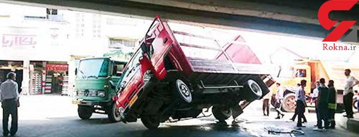راننده فداکار خاور مانع واژگونی کامیونت شد+ عکس حادثه