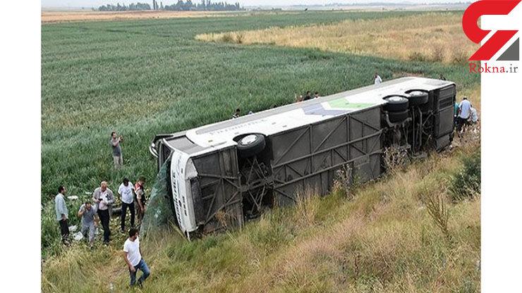 ۳۳ مصدوم بر اثر واژگونی اتوبوس در گالیکش+عکس