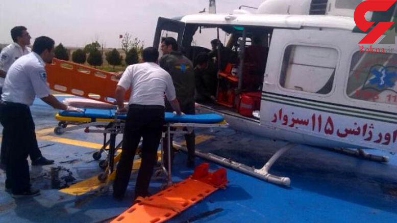 ۲ مصدوم وخیم حادثه واژگونی پراید در سبزوار با اورژانس هوایی منتقل شدند