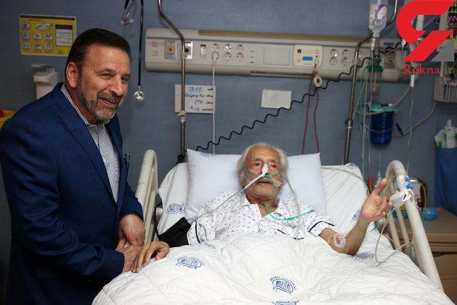 عیادت رئیس دفتر رئیس جمهور از دو هنرمند معروف در بیمارستان +عکس