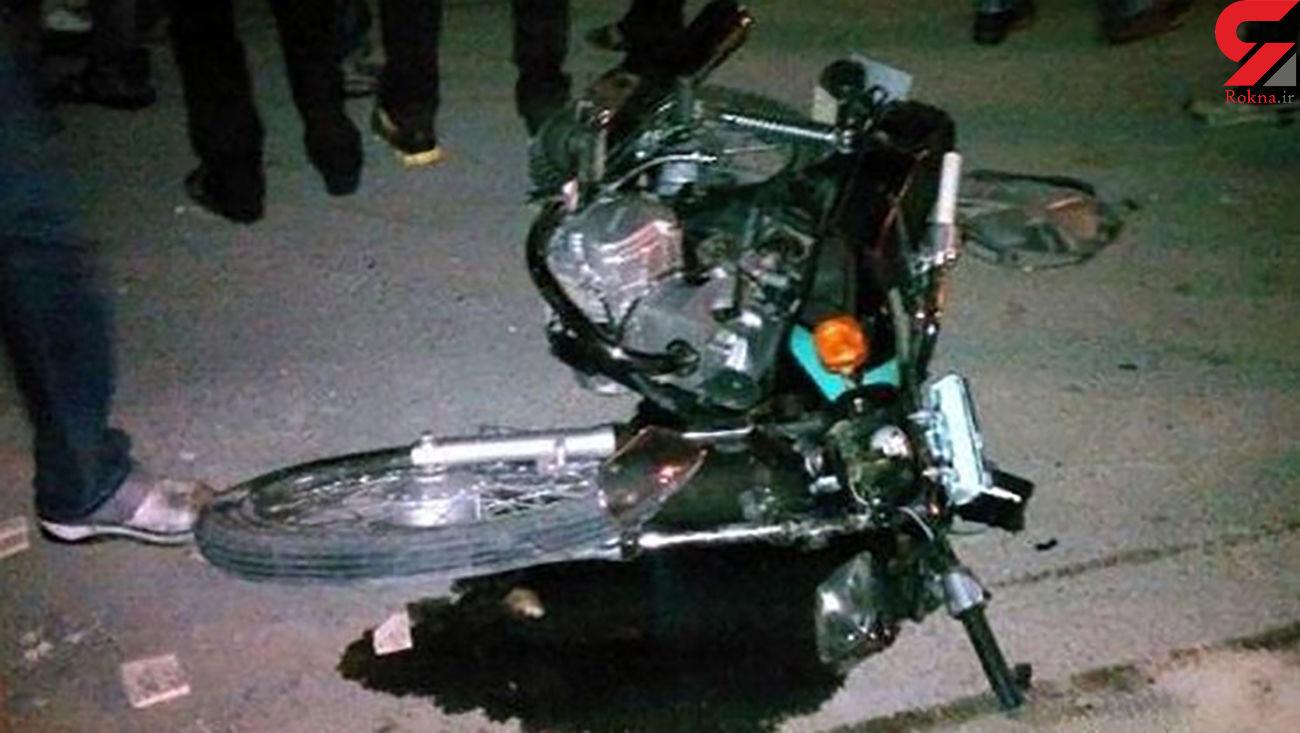 واژگونی موتورسیکلت در اتوبان چمران / راننده مصدوم شد
