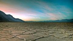 عجیبترین و بزرگترین دریاچهی نمک جهان، در مرکز ایران