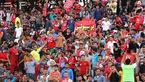 حضور ۱۵ هزار نفر هوادار در ورزشگاه/ مشکل ورود تماشاگران هنوز ادامه دارد + تصاویر