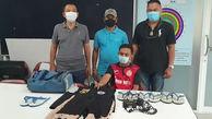 فیلم / دستگیری جوانی که فقط دمپایی می دزدید / او عاشق دمپایی است + عکس / تایلند